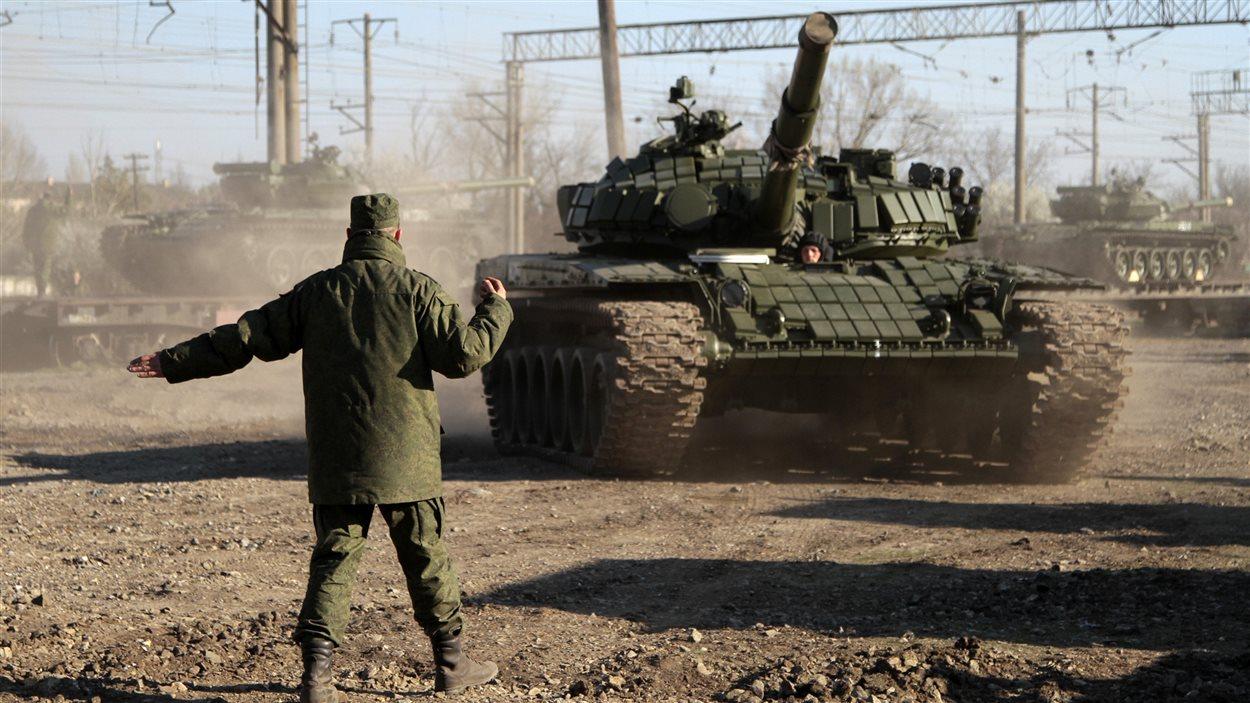 Un char russe déployé en Crimée.