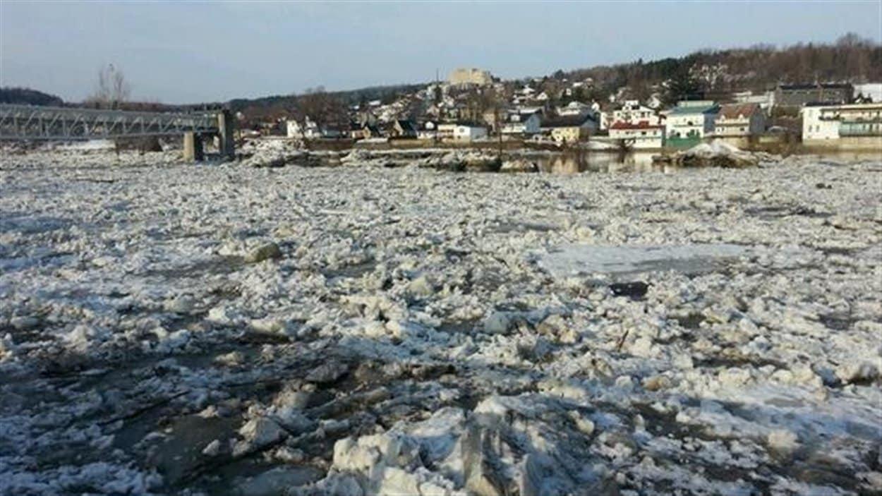 La rivière Chaudière est sous haute surveillance depuis plusieurs jours.