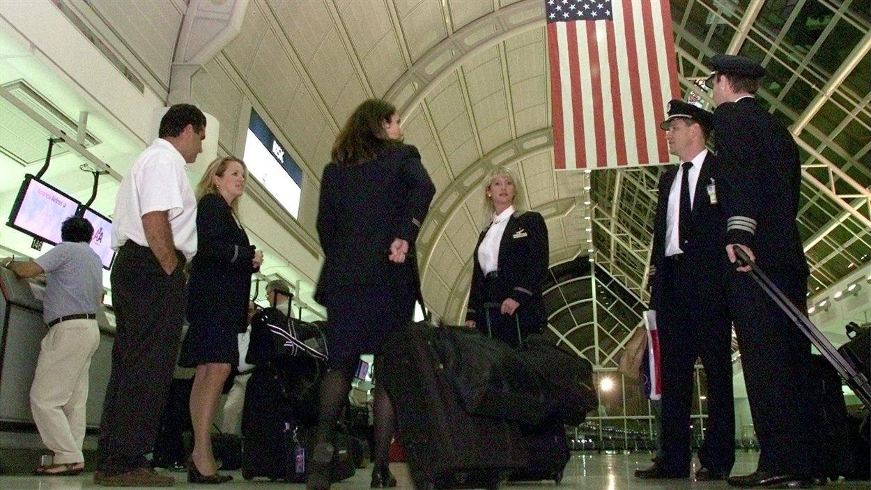 Des douaniers américains à l'aéroport Pearson de Toronto ont refusé dans le passé à des Ontariens, qui avaient tenté de se suicider, de voyager aux États-Unis.