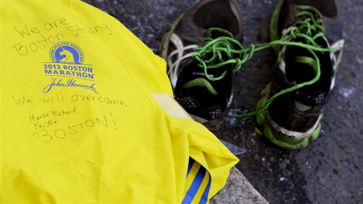 Le manteau du marathon de Boston en 2013
