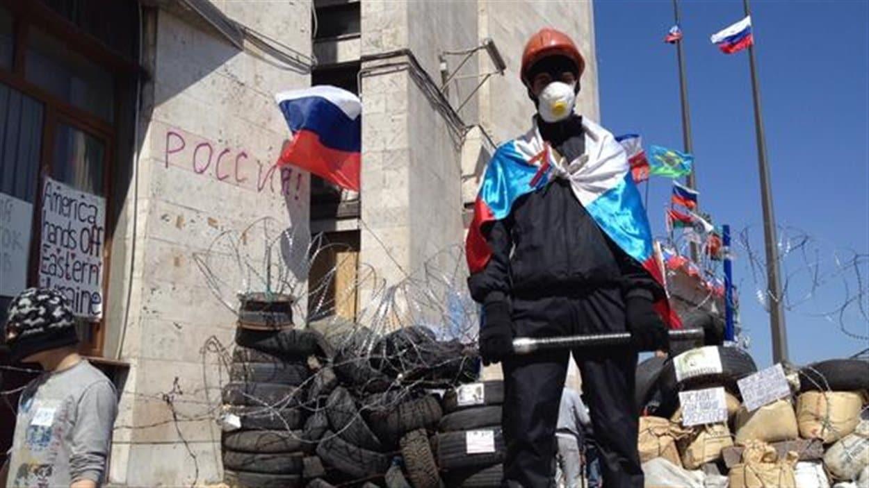 Militant prorusse à Donetsk après l'accord de Genève