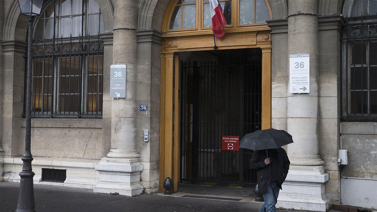 L'agression sexuelle aurait eu lieu, selon la plaignante, au QG de la police judiciaire parisienne.