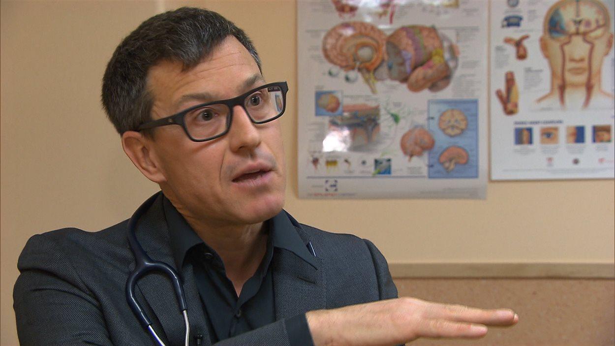 Le neurologue Sylvain Chouinard