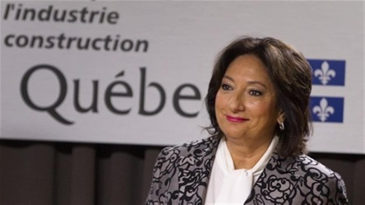 La commission Charbonneau rencontrera les anciens premiers ministres et  les chefs des principaux partis. Et l'ex-ministre des Transports, Julie Boulet,  témoignera devant la commission la semaine prochaine. On en parle avec la  journaliste Isabelle Richer.    Régiment, est à Ottawa pour participer à la commémoration de la mission en  Afghanistan.