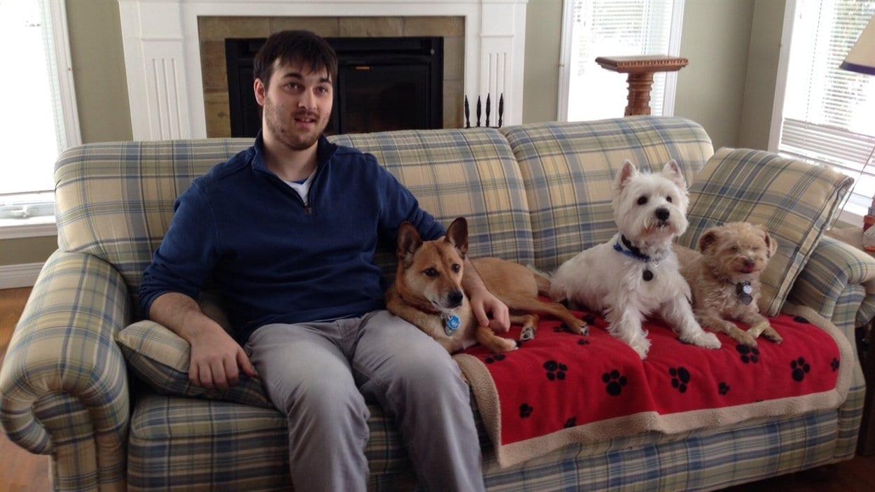 Vincent Salvail, un jeune de 23 ans atteint d'autisme et de troubles anxieux.