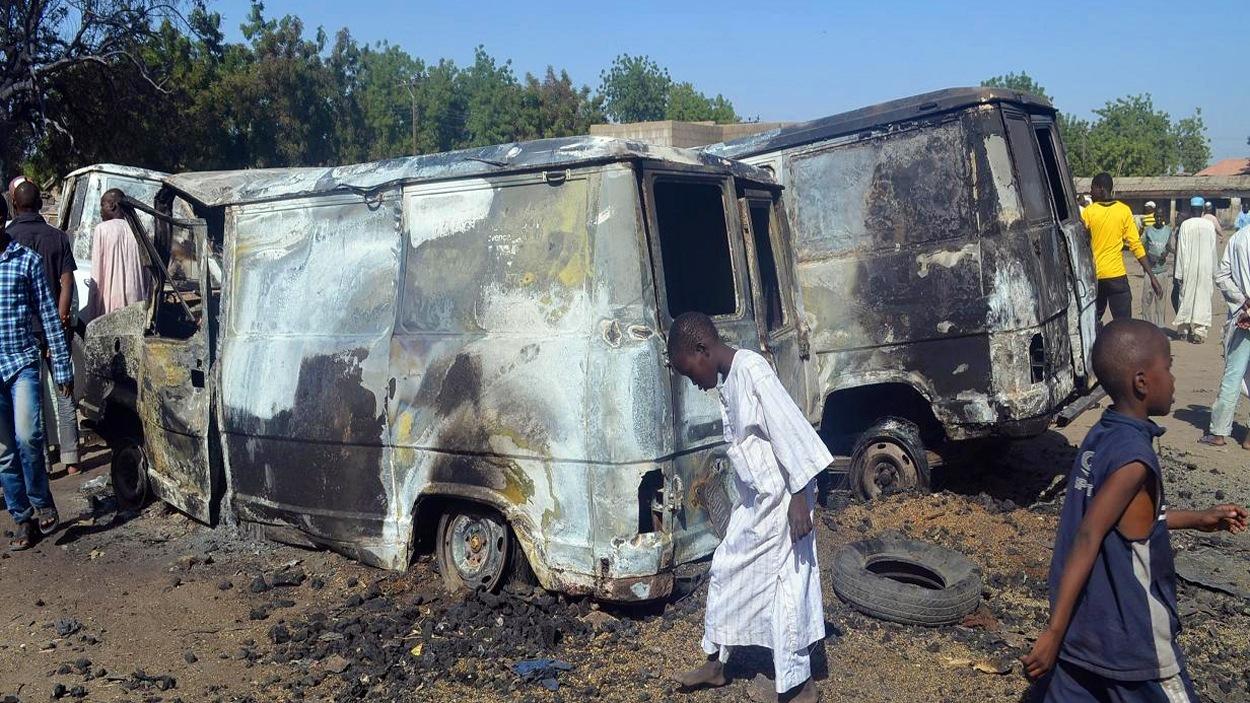 Scène de désolation dans la localité de Bama au Nigeria, où une attaque attribuée aux islamistes de Boko Haram a fait 60 morts le 20 février 2014.