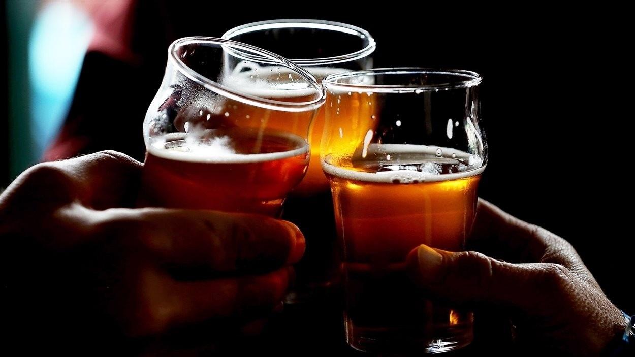 Trois verres de bière