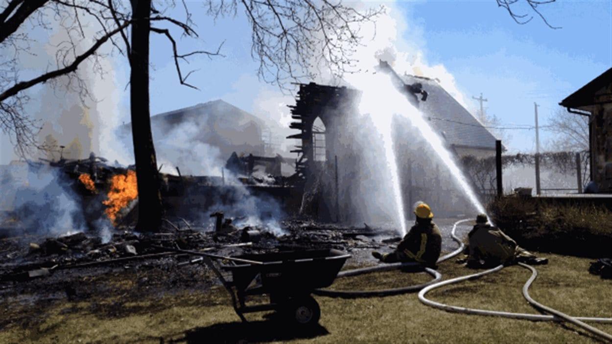 L'église United de Starbuck a été ravagée par les flammes.