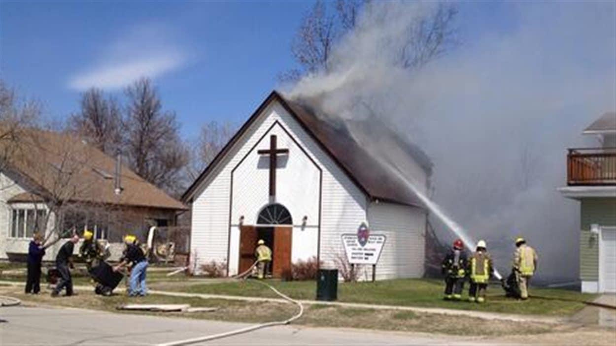 L'église United au moment où les pompiers sont arrivés sur les lieux.