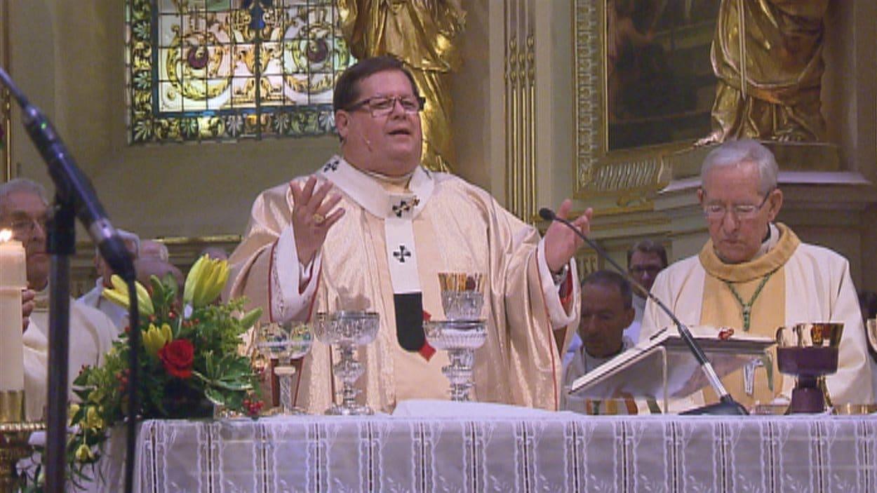 Le cardinal Lacroix a présidé la cérémonie de commémoration.