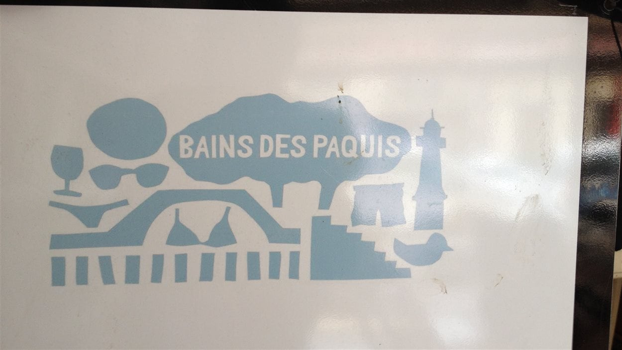 L'entête de l'affiche de l'Aspasie fait référence au quartier chaud des Pâquis, à Genève.