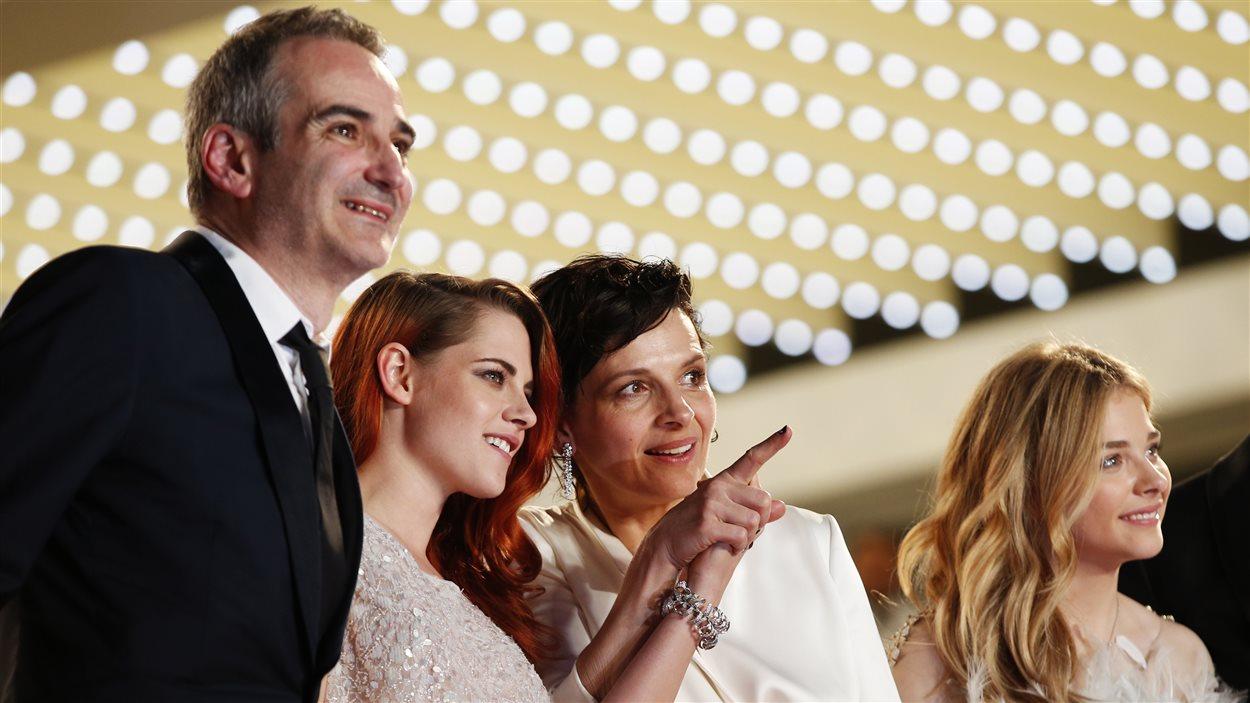 Jour 10 - Le réalisateur Olivier Assayas et les actrices Kristen Stewart, Juliette Binoche et Chloe Grace Moretz