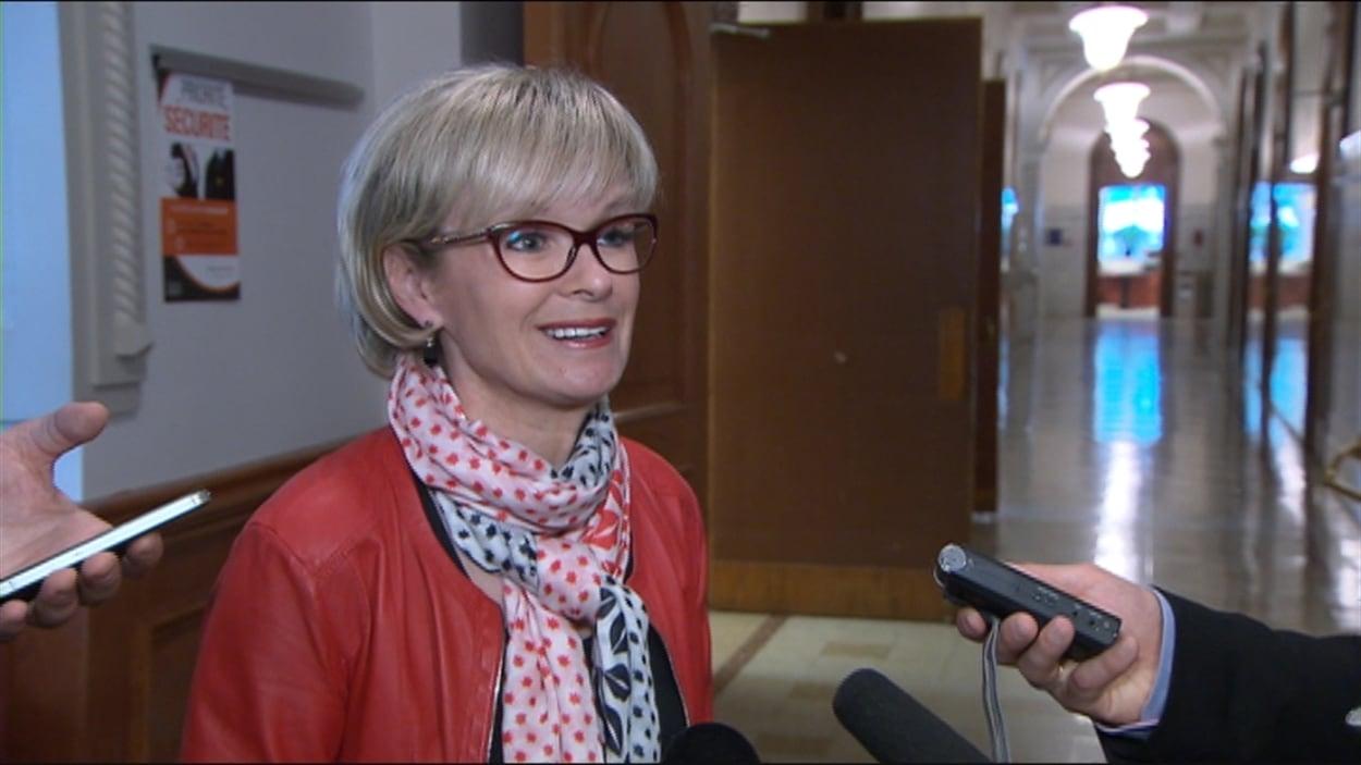 Julie Boulet après la période des questions