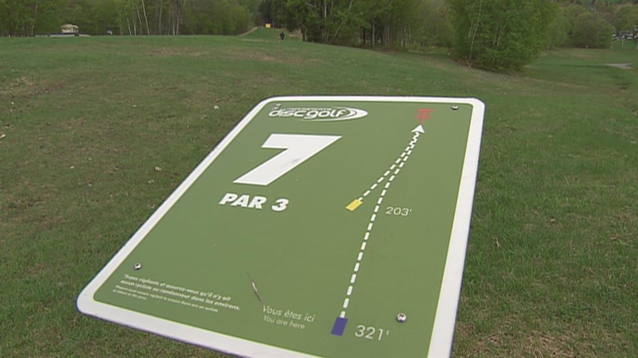 Tout comme au golf, des panneaux indiquent la configuration du parcours