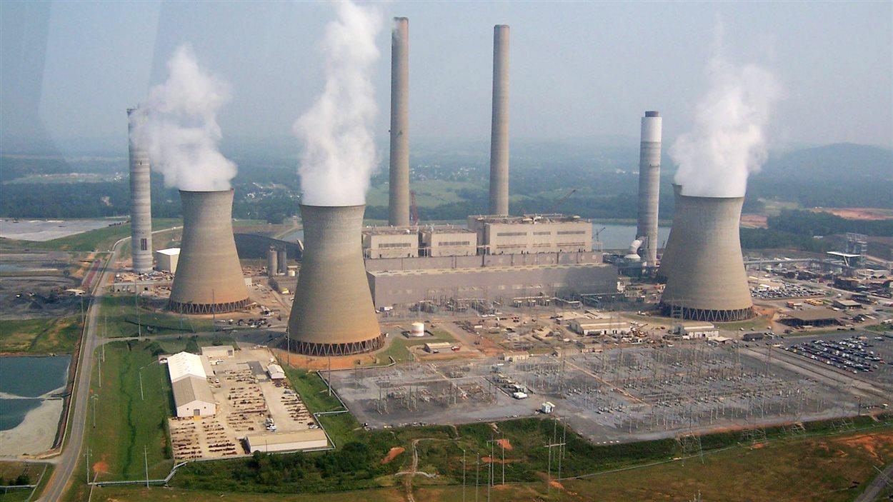 L'une des plus grandes centrales au charbon des États-Unis à Cartersville, en Georgie.