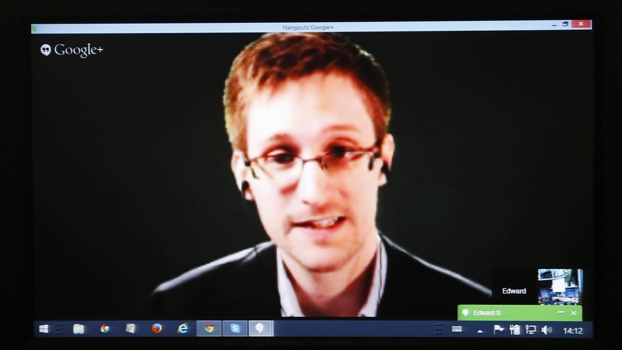 Edward Snowden, lors d'une vidéoconférence devant un comité du Conseil de l'Europe le 8 avril 2014