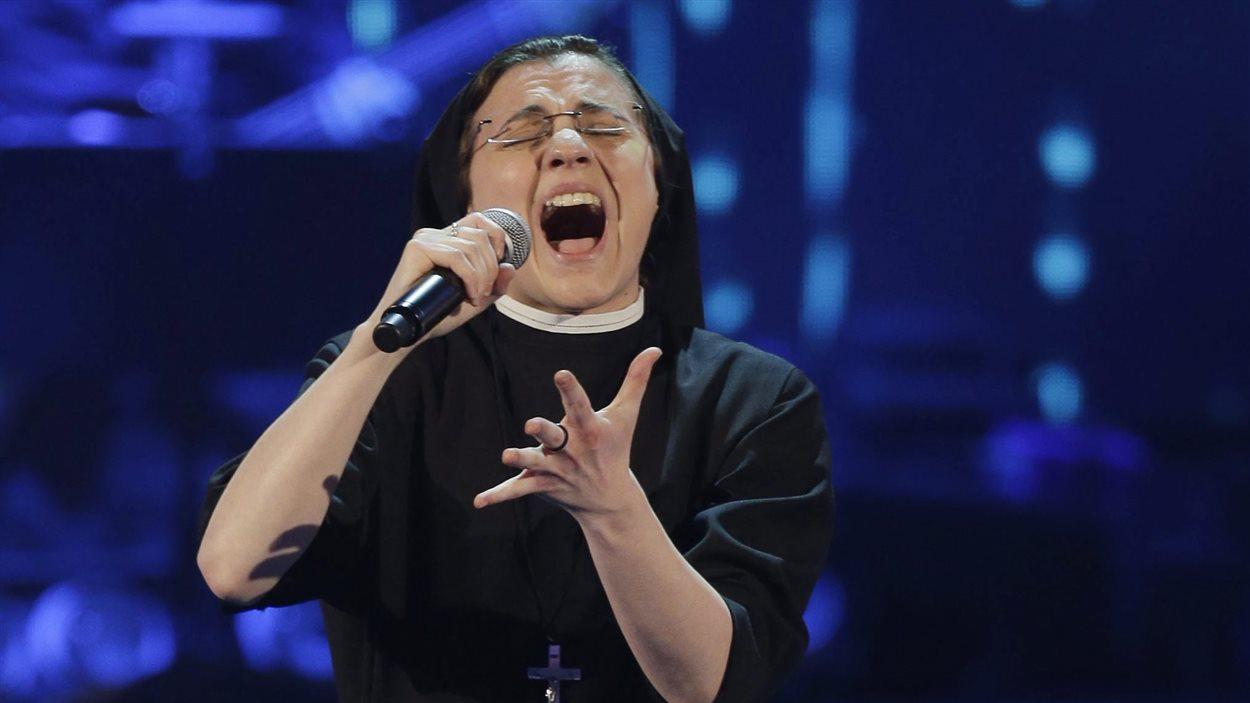 Soeur Cristina Scuccia, gagnante de La voix en Italie