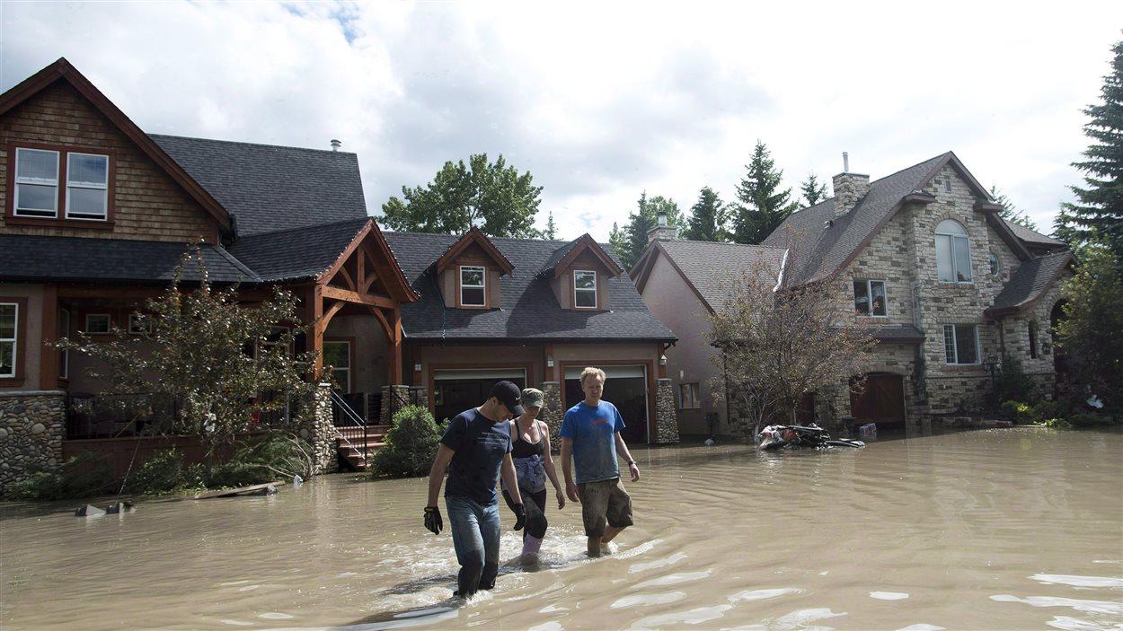Des maisons sinistrées à Calgary