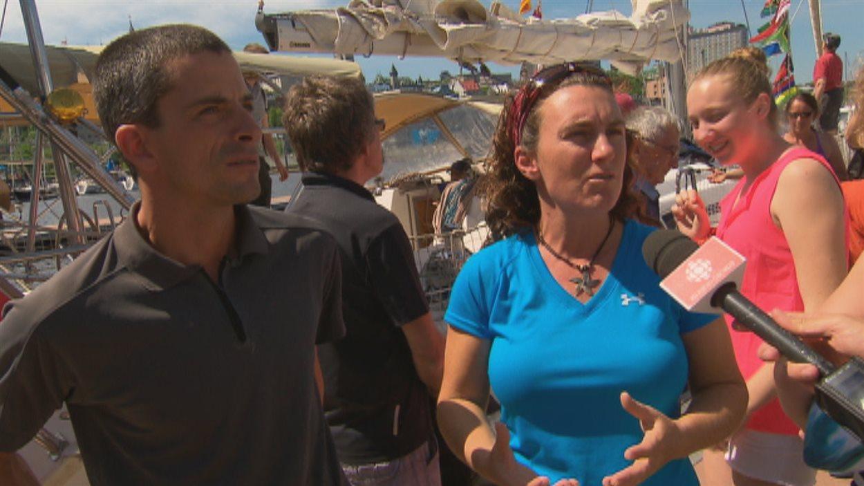 Ghislain Sabourin et Annie Couture à leur arrivée au bassin Louise.