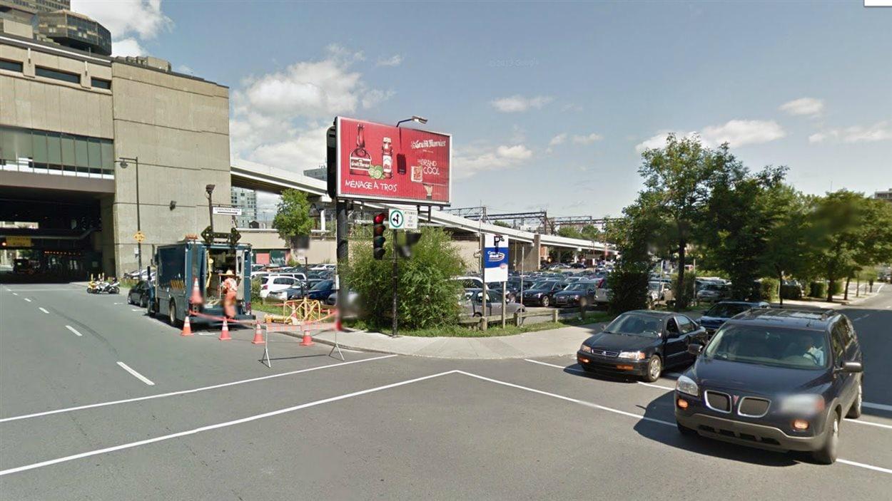 L'emplacement où serait aménagée la gare d'autobus temporaire de l'AMT.