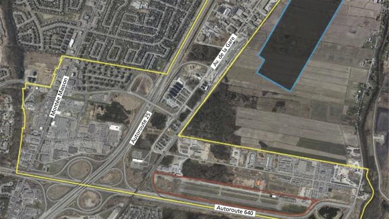 Le site actuel (en rouge) et le site projeté (en bleu) de l'aéroport de Mascouche. En jaune, le «pôle économique multifonctionnel»
