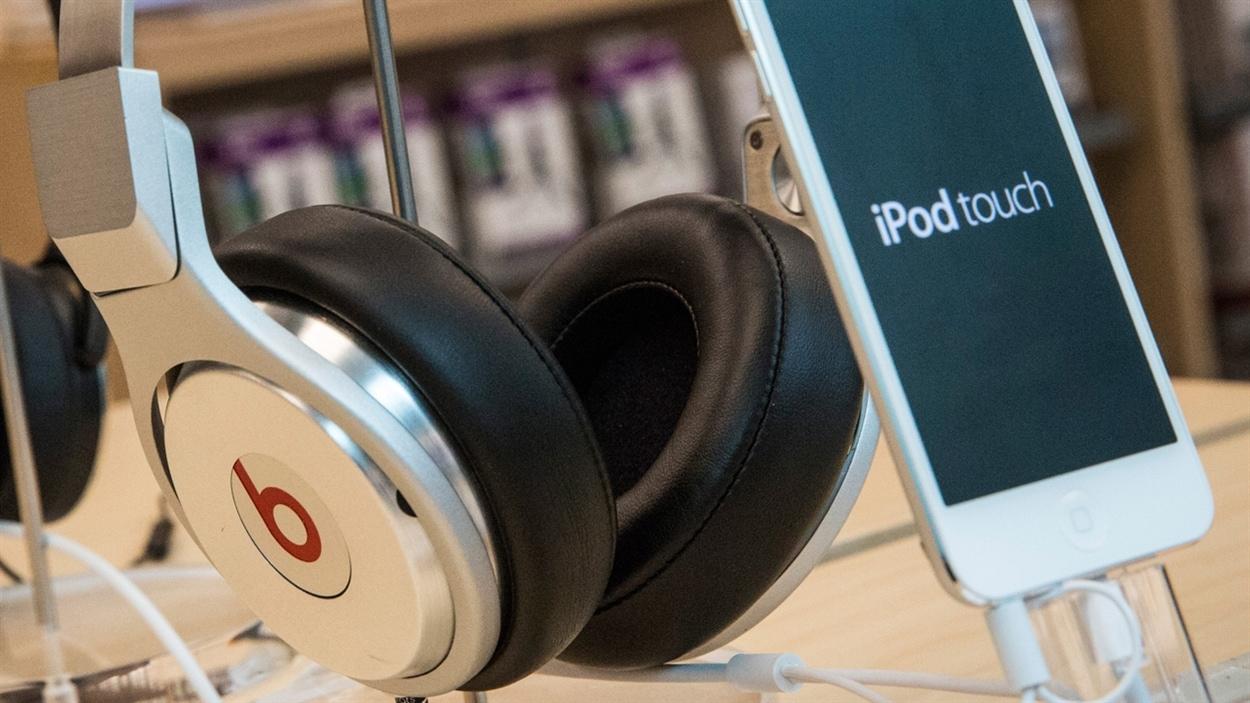 Des écouteurs.