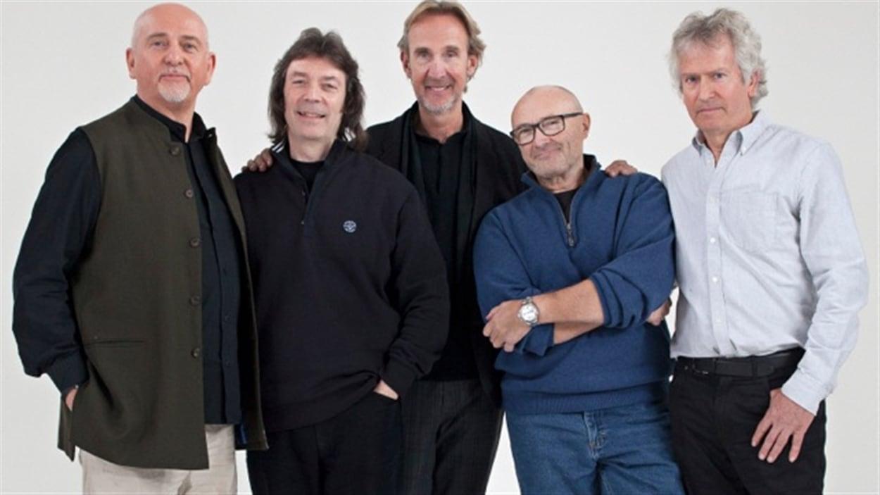 Peter Gabriel, Steve Hackett, Mike Rutherford, Phil Collins et Tony Banks de Genesis.