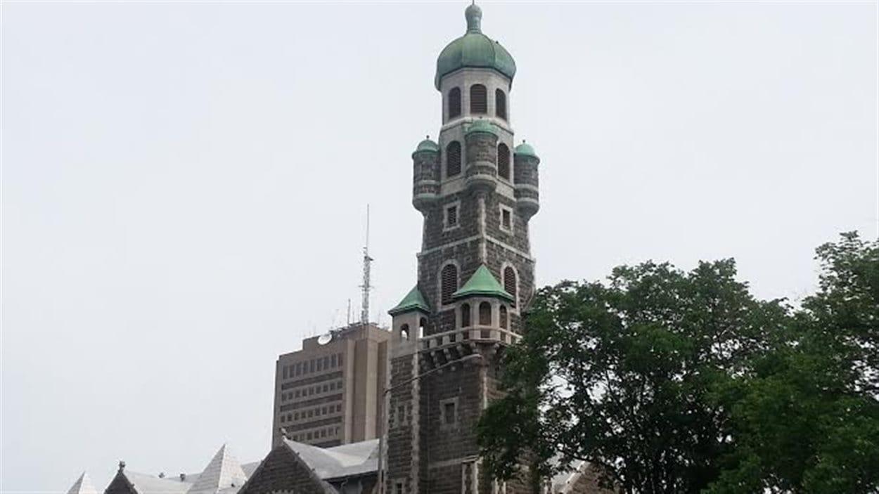 L'église Saint-Coeur-de-Marie, reconnaissable avec son haut clocher byzantin dominant la Grande-Allée
