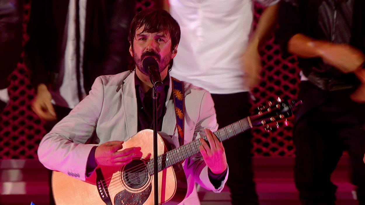 Le chanteur franco-ontarien Damien Robitaille aime les différents accents des francophones.