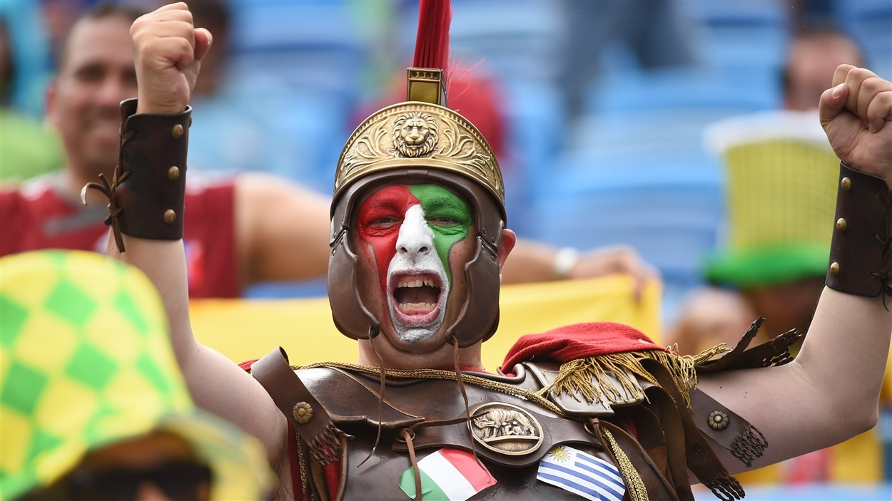 Les partisans de l'Italie se sont préparés pour un dur affrontement contre l'Uruguay.