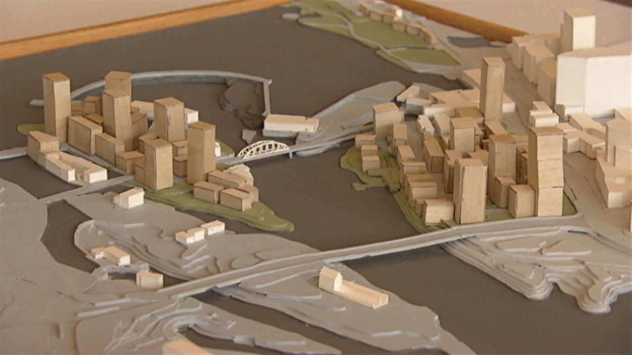 Une maquette du projet immobilier Les Îles (à gauche) et du centre-ville de Gatineau