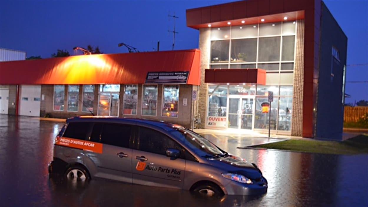 La Pluie Cause Des Inondations Dans La Region Radio Canada Ca