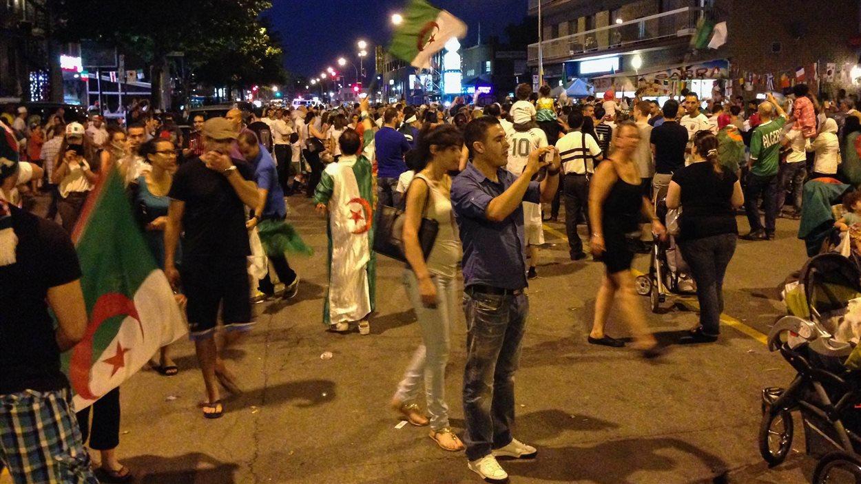 La rue Jean-Talon a été fermée entre St-Michel et Pie-IX, jeudi soir.