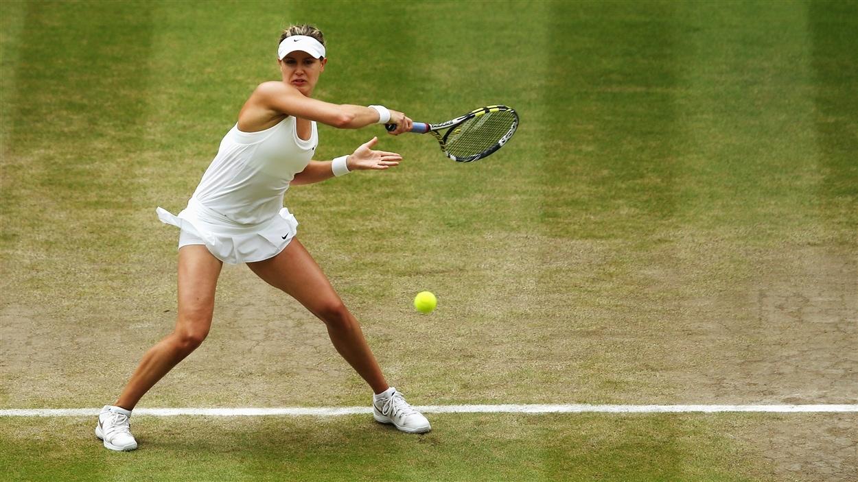 Eugenie Bouchard en plein combat contre Petra Kvitova