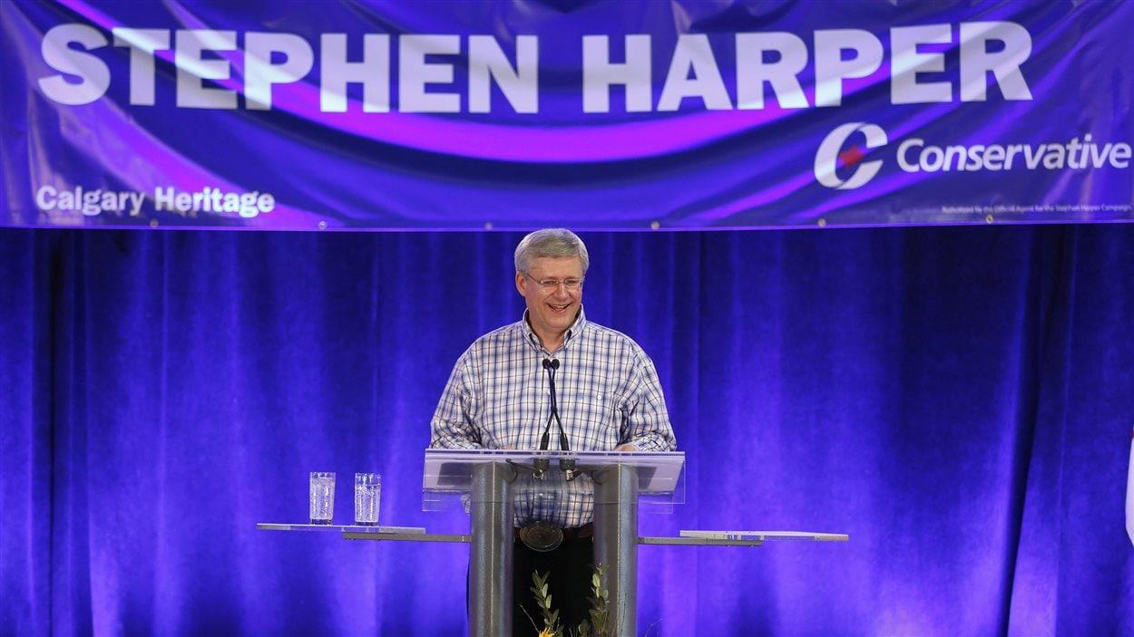 Le premier ministre Stephen Harper s'adresse à ses partisans à Calgary, le 5 juillet 2014.
