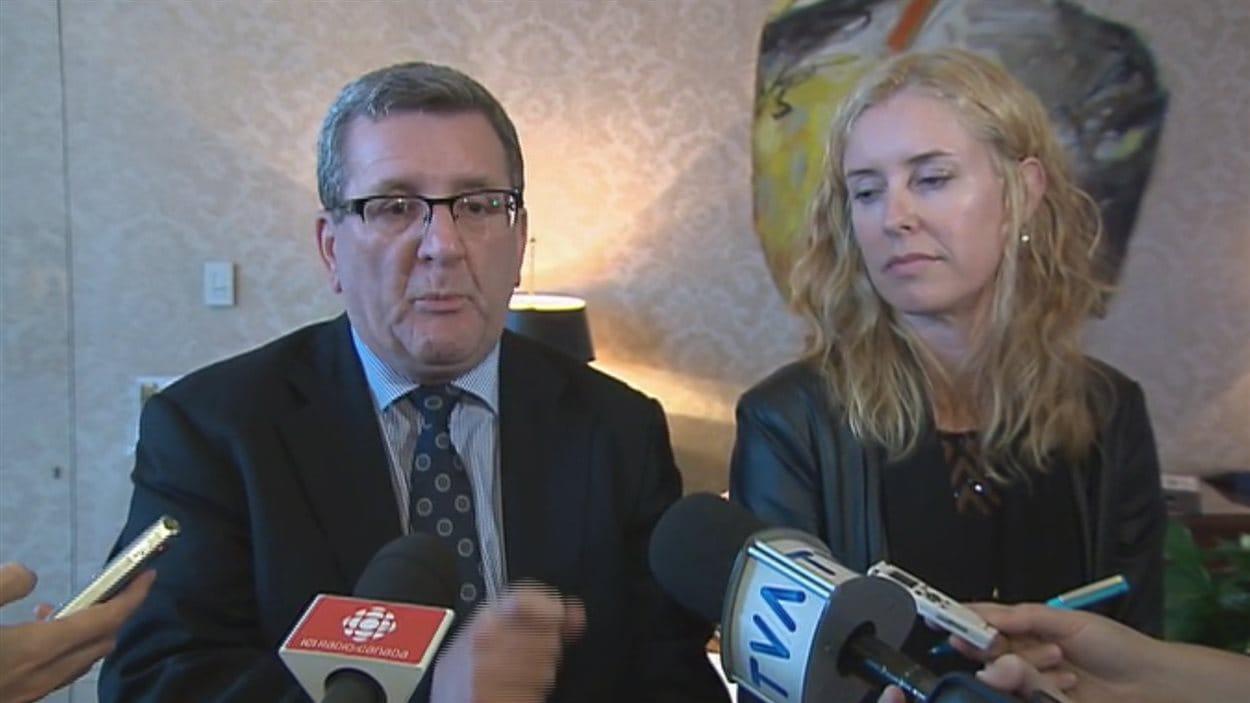 Le maire Labeaume et la conseillère Julie Lemieux affirment que des entrepreneurs seraient intimidés.