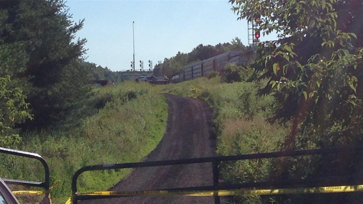 Les lieux de l'accident où le Service de police du CN assure la sécurité.