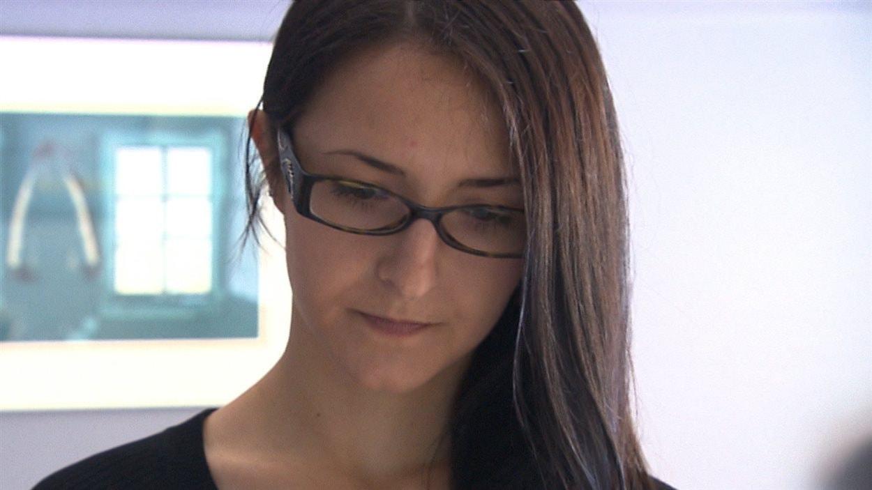 Anxieuse, inquiète, Emma Czornobaj est toujours dans l'attente de sa peine.