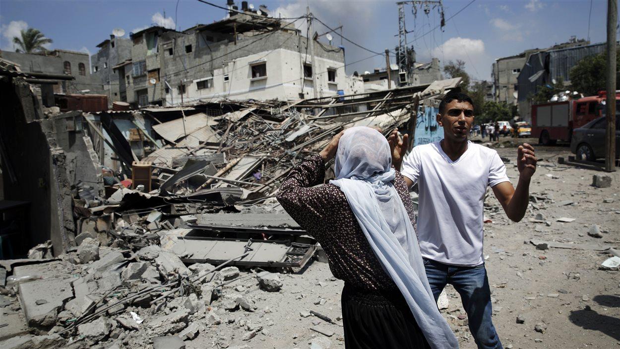 Bombardement dans le quartier Shejaia, dans la bande de Gaza, le dimanche 20 juillet 2014.