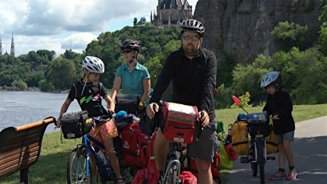 Guillaume Simard et Isabelle Bibeau lors de leur passage à Ottawa.