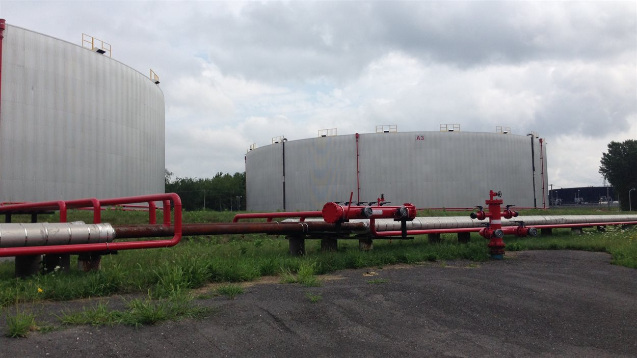 Réservoirs de pétrole aux installations de Kildair à Sorel-Tracy