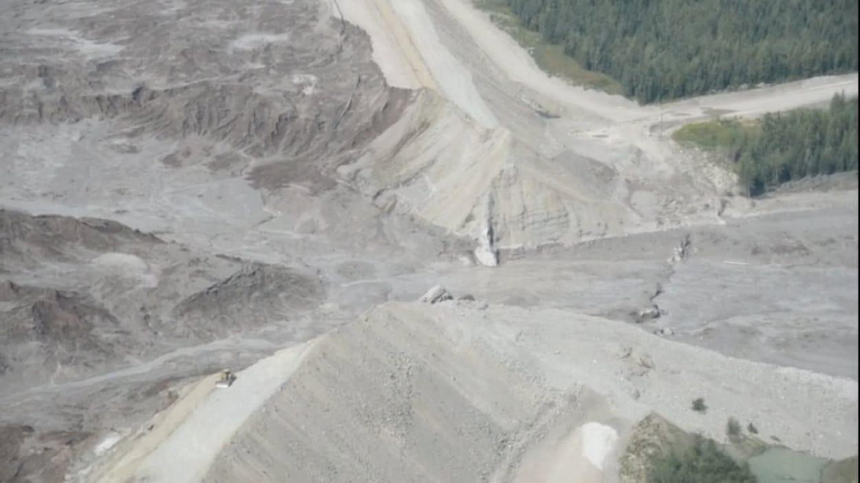 La brèche du bassin de décantation de la mine du mont Polley.