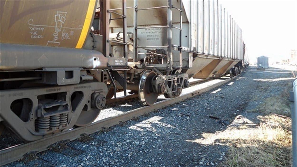 OmniTRAX suspend indéfiniment son plan pour envoyer du pétrole par voie ferrée jusqu'à Churchill, dans le nord du Manitoba.