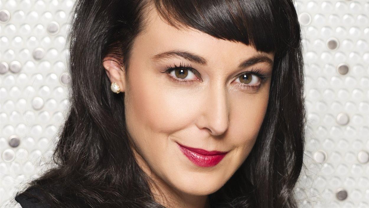 L'auteure et animatrice de LIRE, Claudia Larochelle.