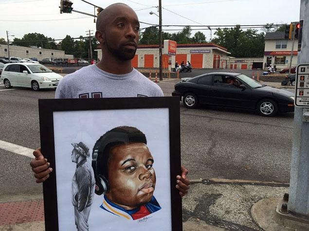 Cet artiste cherche à remettre cette représentation de Mike Brown à sa famille endeuillée.
