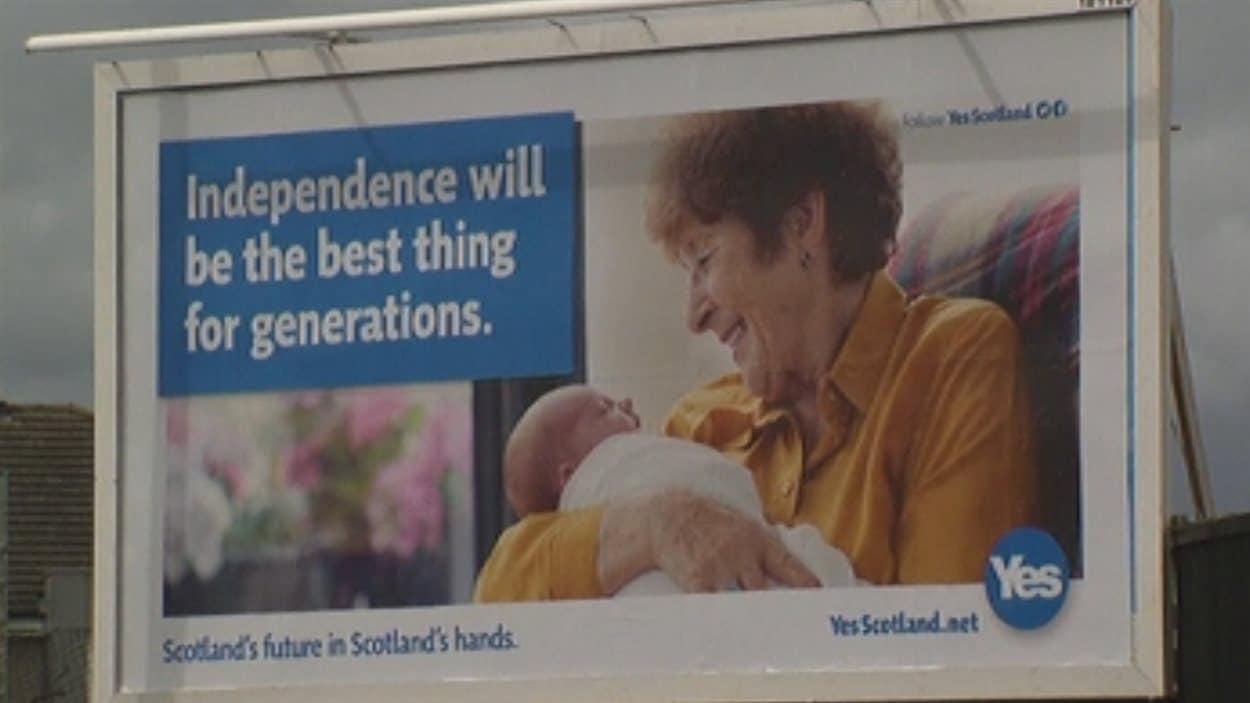 Une affiche du camp du oui en Écosse