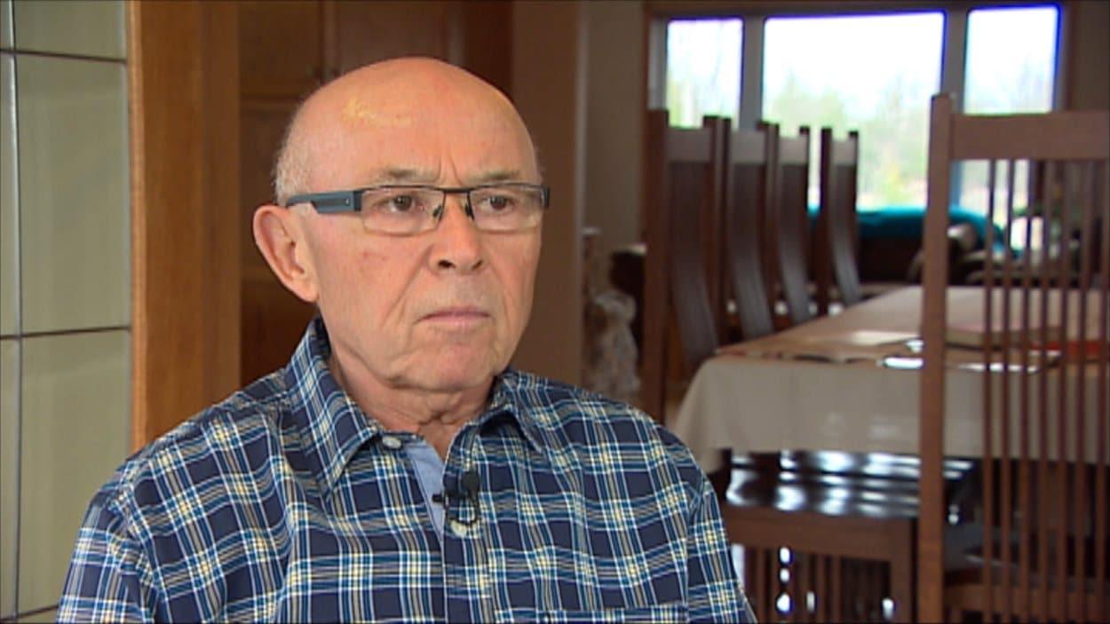 En janvier 2012, Roger Legal a publié un manifeste sur l'éducation française au Manitoba.