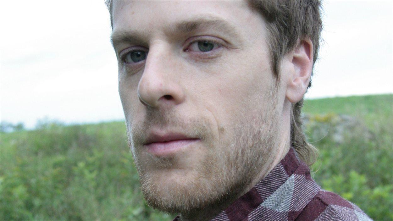 L'auteur Jonathan Harnois.