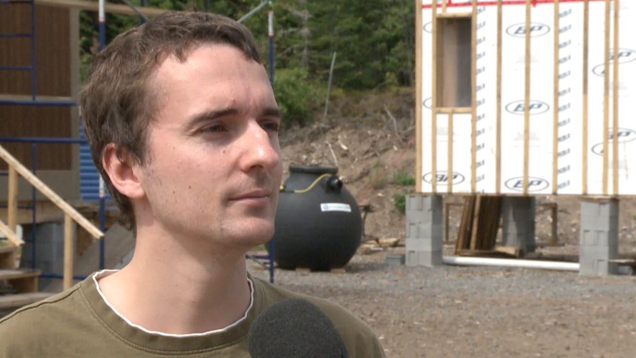 Didier Merette-Dufresne, de Laval, fera l'acquisition d'une mini-maison.