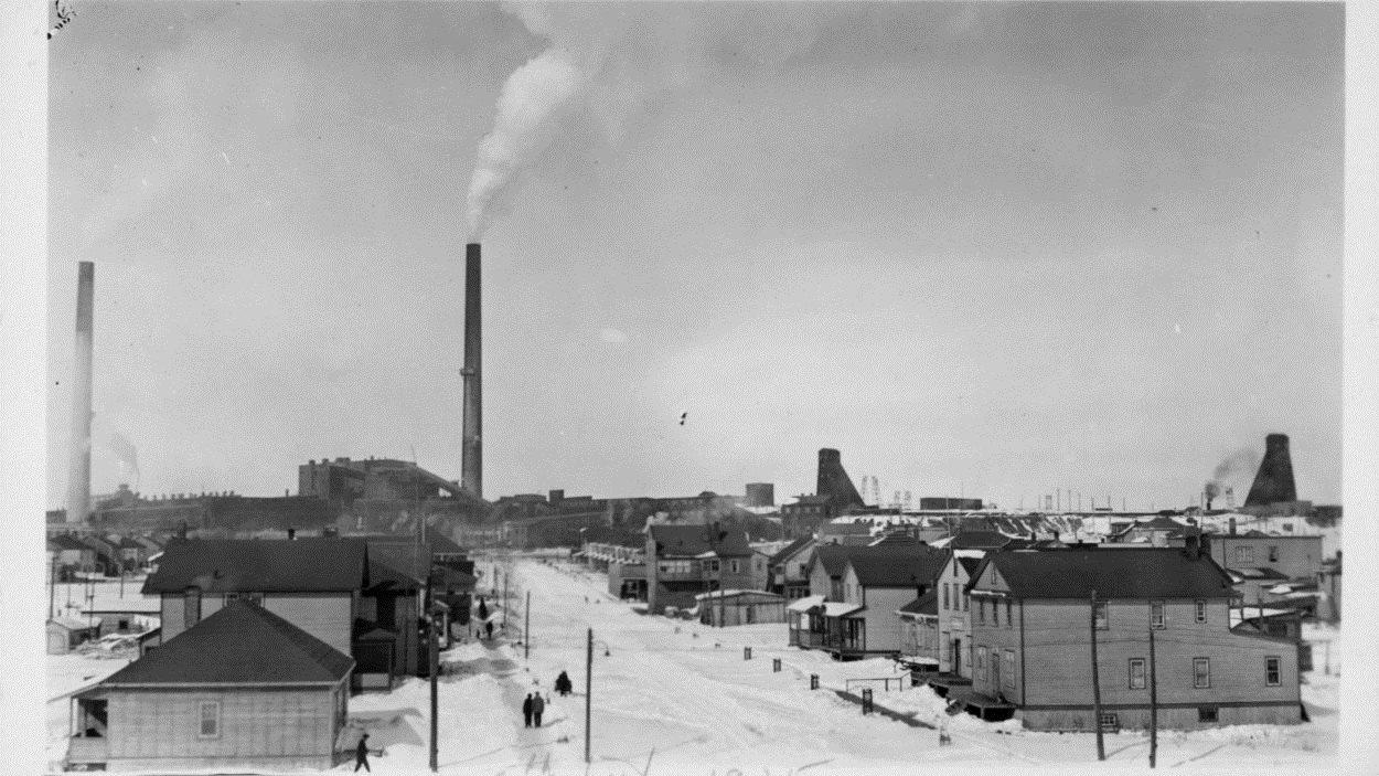 Premières maisons construites près de la mine à Noranda en 1935